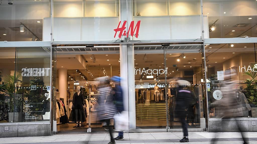 Modekette H&M erzielt schon im Sommer wieder operativen Gewinn
