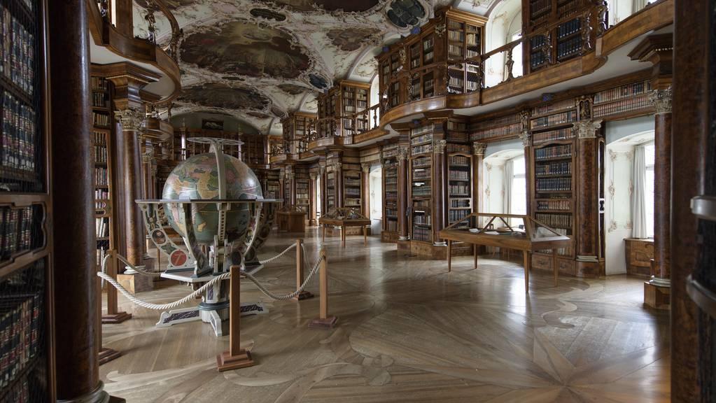 Der Stadtrat halte es für «angemessen, dass der Kanton die Ausfälle der Stiftsbibliothek alleine, beziehungsweise zusammen mit dem Konfessionsteil übernimmt».