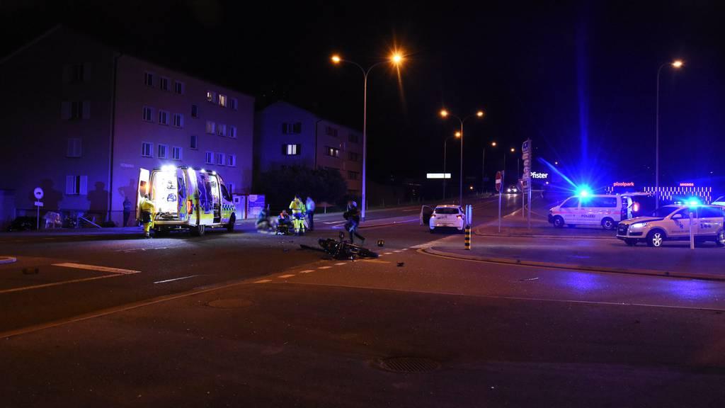 Nach Unfall mit Auto: 19-jähriger Töfffahrer schwer verletzt