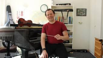 Der Grenchner Musiklehrer Ruwen Kronenberg übernimmt den Taktstock des Stadtorchesters.