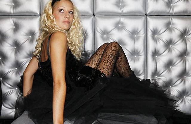 Linda Fäh bei einem Fotoshooting.
