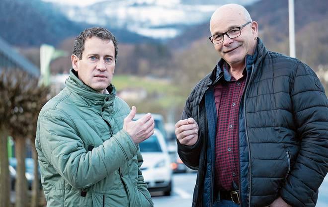 Matthias Betsche, Präsident Pro Natura Aargau (l.), und Andy Steinacher, Präsident des Verbands der Aargauer Obstproduzenten.