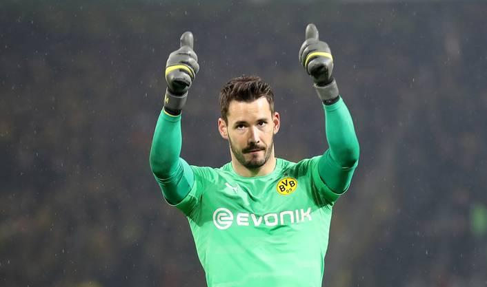Besser sieht es für Roman Bürki aus: Beim BVB ist er die Nummer 1 im Tor.