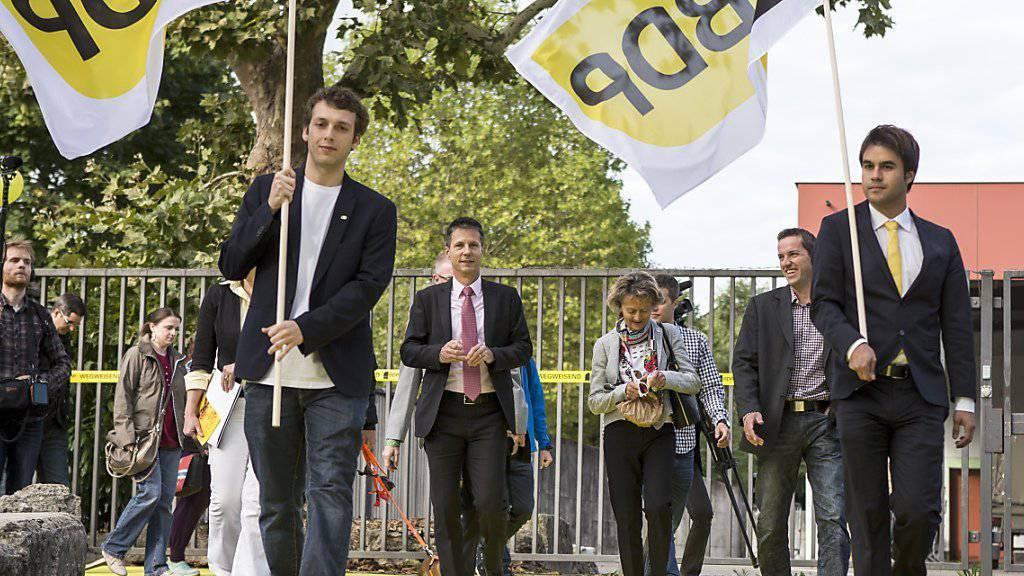 Bundesrätin Eveline Widmer-Schlumpf auf dem Weg zur Parteiversammlung der BDP vom Samstag in Aarau.