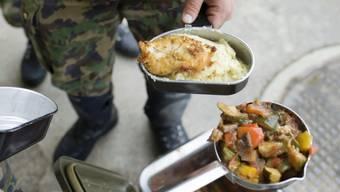 Woran die Rekruten erkrankten, ist bisher nicht bekannt. Nach Medienberichten war verdorbenes Essen der Auslöser. (Archivbild)