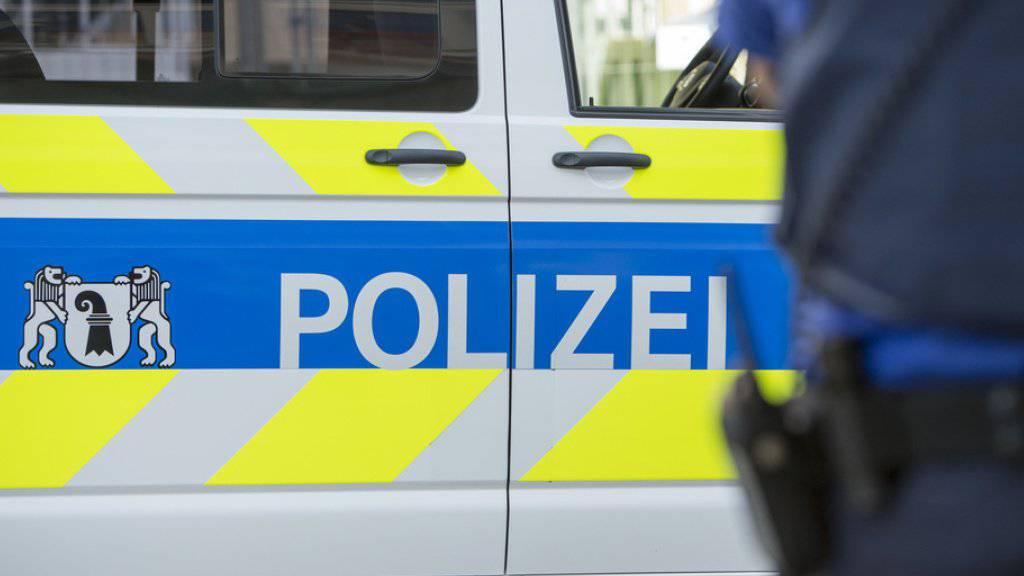 Der Angreifer verhielt sich auch gegenüber den Beamten der Kantonspolizei Basel-Stadt aggressiv. (Archivbild)