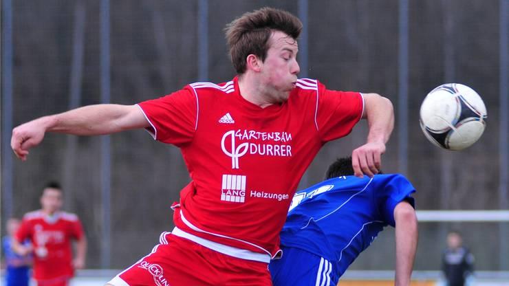 Einsatz an der Schmerzgrenze: Buchsis Yanik Durrer gegen Subingens Damian Thomi.