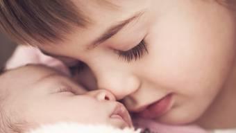 In einer Geschwisterbeziehung steckt enorm viel Glück und Sicherheit. In kaum einer anderen Beziehung kann man sich besser auf Augenhöhe begegnen.