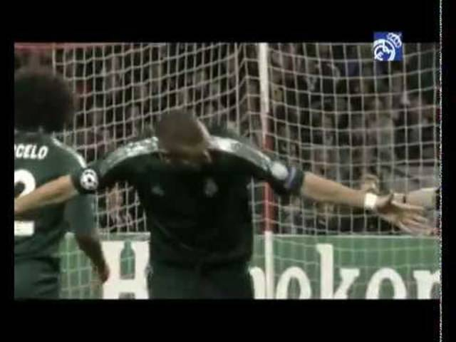 Benzemas Traumtor gegen Ajax in der Amsterdam Arena.