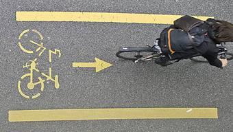 «Die im Plan eingezeichneten Velowege sind auf kommunaler Ebene keine Velowege, sondern lediglich Strassenverbindungen ohne spezielle Qualität für Velos» – Die Linken fordern konkrete Massnahmen für Velowege.