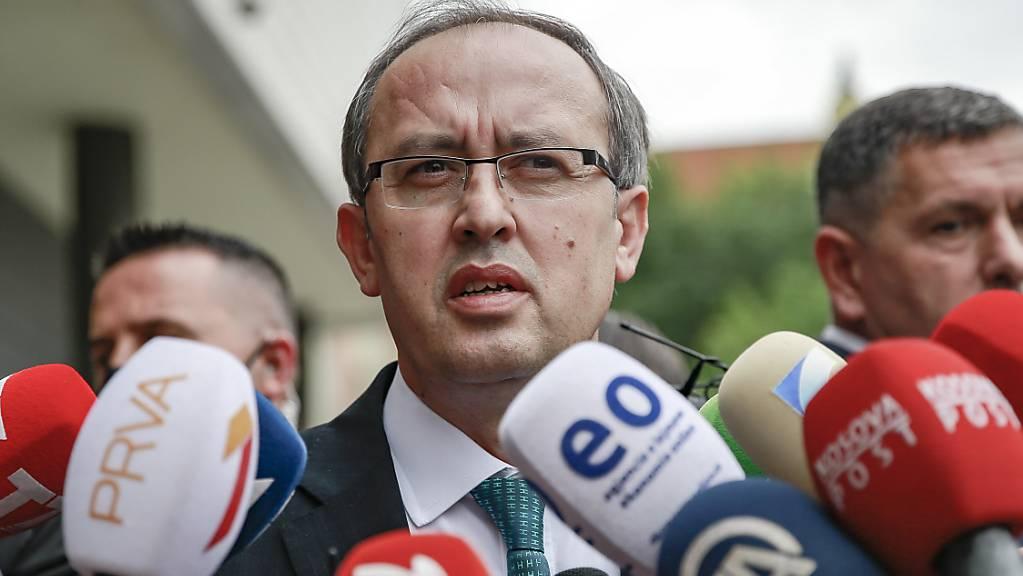 ARCHIV - Kosovos Regierungschef Avdullah Hoti hat sich mit dem Coronavirus infiziert. Foto: Visar Kryeziu/AP/dpa