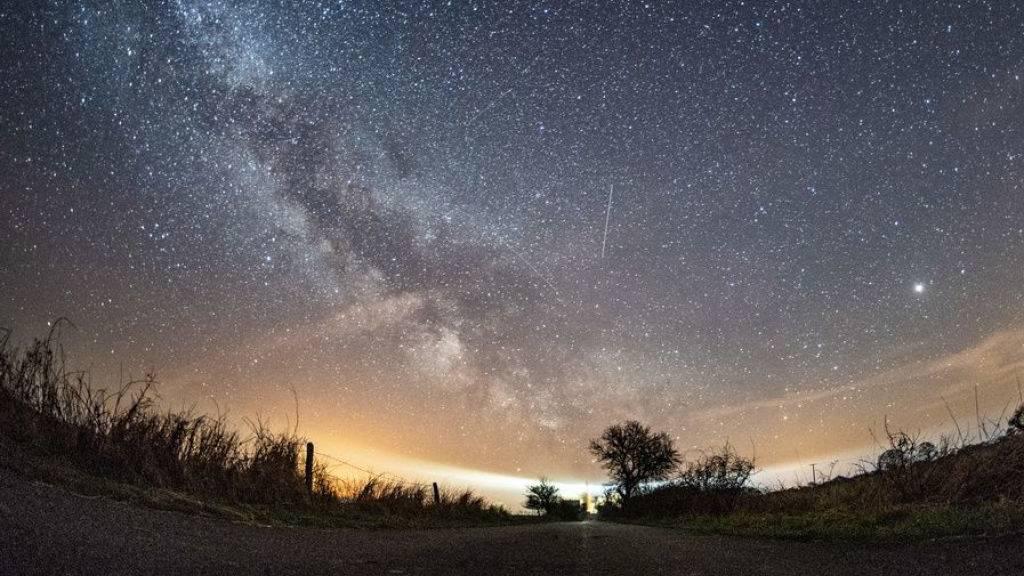 Heute Nacht regnet es Sternschnuppen