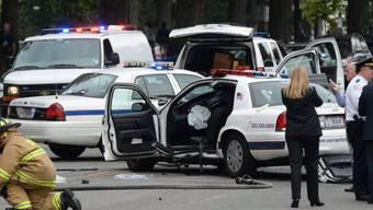 Beschädigtes Polizeiauto vor dem Capitol in Washington