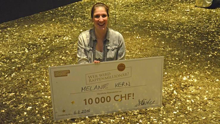 Melanie Kern fand die spezielle Münze und erhält dafür 10000 Franken.