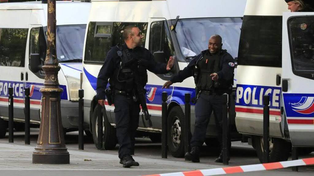 Mindestens ein Mann in Museum in Südfrankreich verschanzt