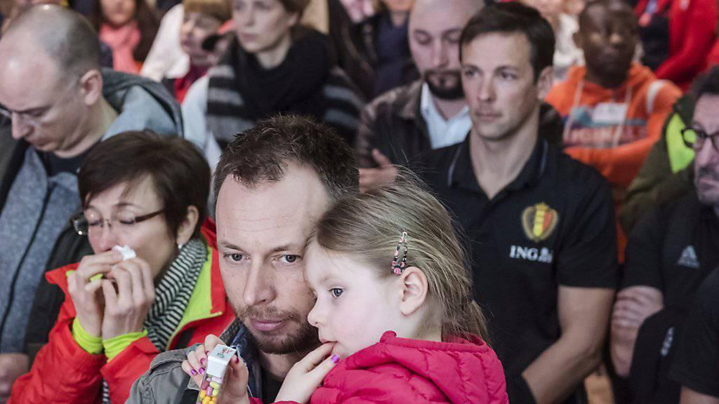 Eine Minute des Schweigens am Zaventem Airport in Brüssel: Um 7:58 Uhr vor genau einem Jahr startete hier eine Anschlagsserie, die 32 Menschen das Leben kostete.