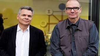 Bruno Jakob (r.) erhält den Preis von Lukas Richterich. Kenneth Nars