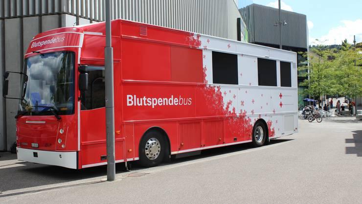 Das ist der erste Blutspendebus der Schweiz.