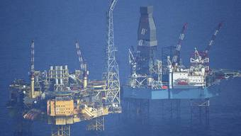 """Die """"Elgin""""-Plattform, 240 Kilometer von Aberdeen entfernt (Archivfoto: Greenpeace)"""