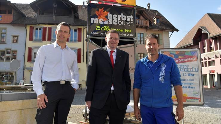 OK Herbstmesse Büren: v. l.: Daniel Reusser, Werbung und Finanzen; Pius Leimer, Sekretär, Presse; Beat Schwab, Bauchef.