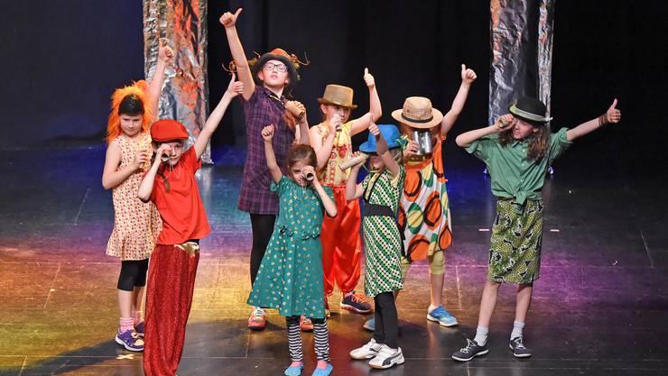 Theater-Tanz-Projekt der Primarschule am Samstag in der Schützi.