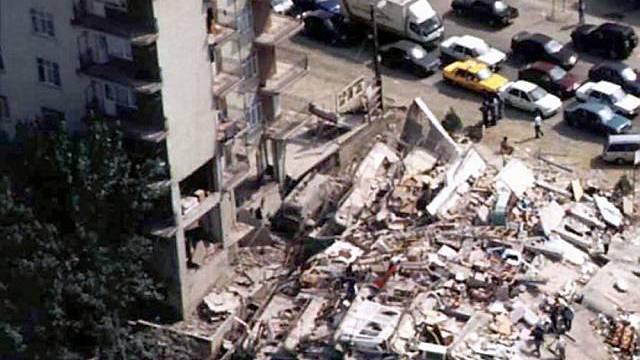 Zerstörung in Gölcük 1999
