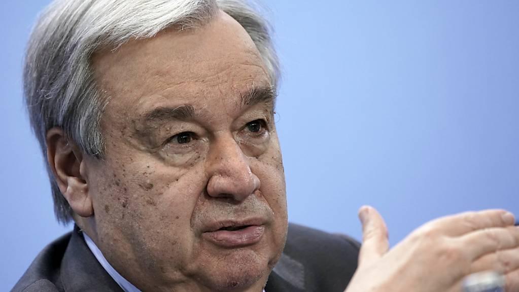 ARCHIV - Antonio Guterres, Generalsekretär der Vereinten Nationen, spricht nach der Libyen-Konferenz auf einer Pressekonferenz. Foto: Michael Kappeler/dpa/Pool/dpa