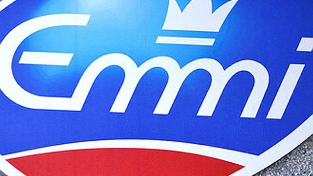 Logo am Hauptsitz des Milch-Verarbeiters Emmi in Luzern (Archiv)