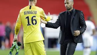 Goalie Diego Benaglio und Trainer Thierry Henry freuen sich über den ersten Sieg von Monaco seit dem 11. August