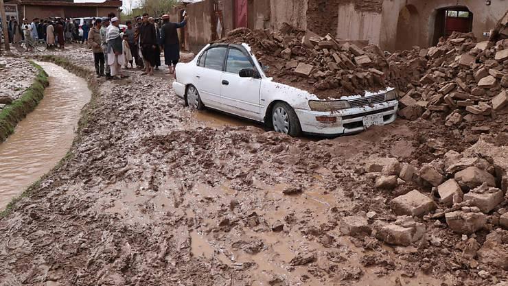 Verheerende Sturzfluten in Afghanistan fordern zahlreiche Todesopfer.