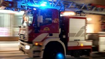 Ein Schulhausbrand in Wettingen ist am Donnerstagnachmittag glimpflich ausgegangen: (Symbolbild)