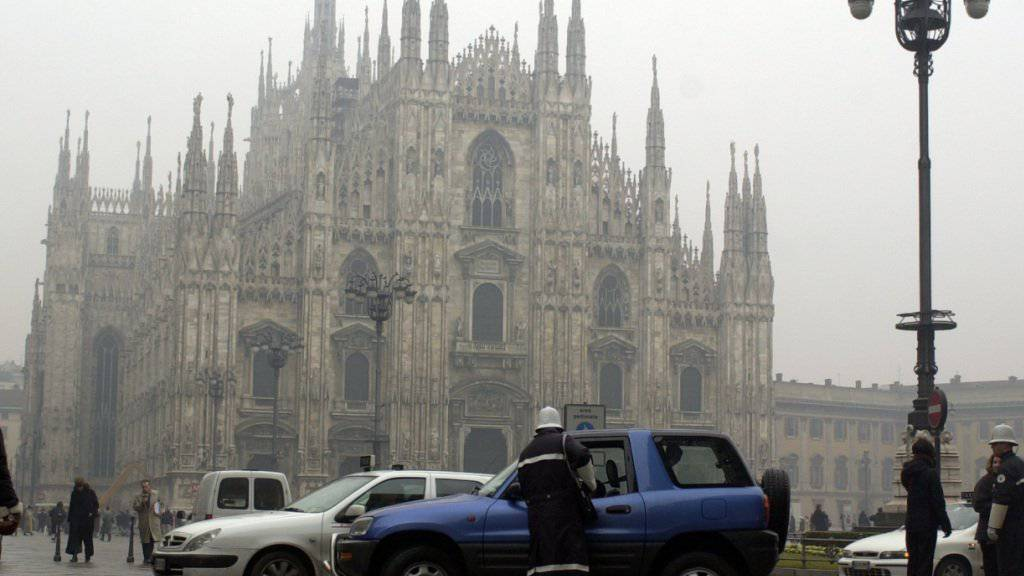 Smog in Mailand vor dem Dom (Archiv)