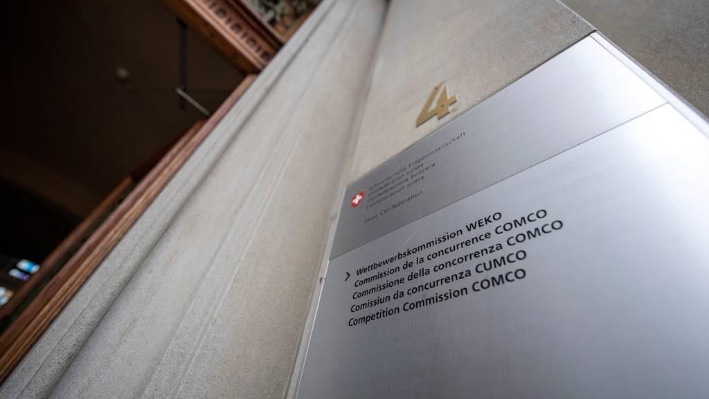 Die Wettbewerbskommission eröffnet eine Untersuchung gegen Gross- und Einzelhandelsunternehmen sowie «Markant»  wegen möglicher Absprachen.
