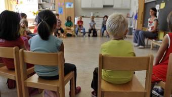 Der 1967 erbaute Einfachkindergarten befinde sich in einem gesamthaft guten Zustand und soll weiterhin mit einer Klasse betrieben werden. (Symbolbild)
