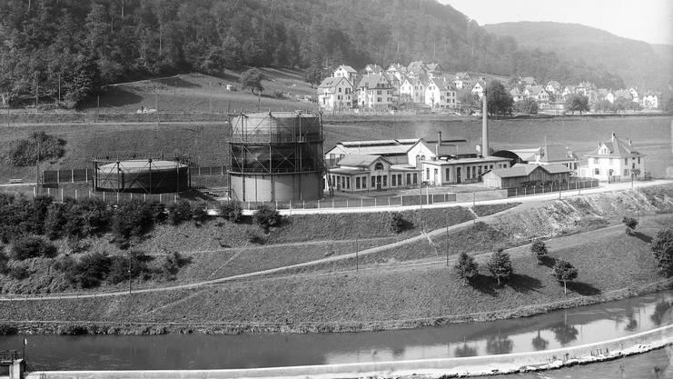 Das Gaswerk der Städtischen Werke Baden im Roggebode um 1916. Dahinter die Häuser, die nach 1900 im oberen Kappelerhof entstanden.