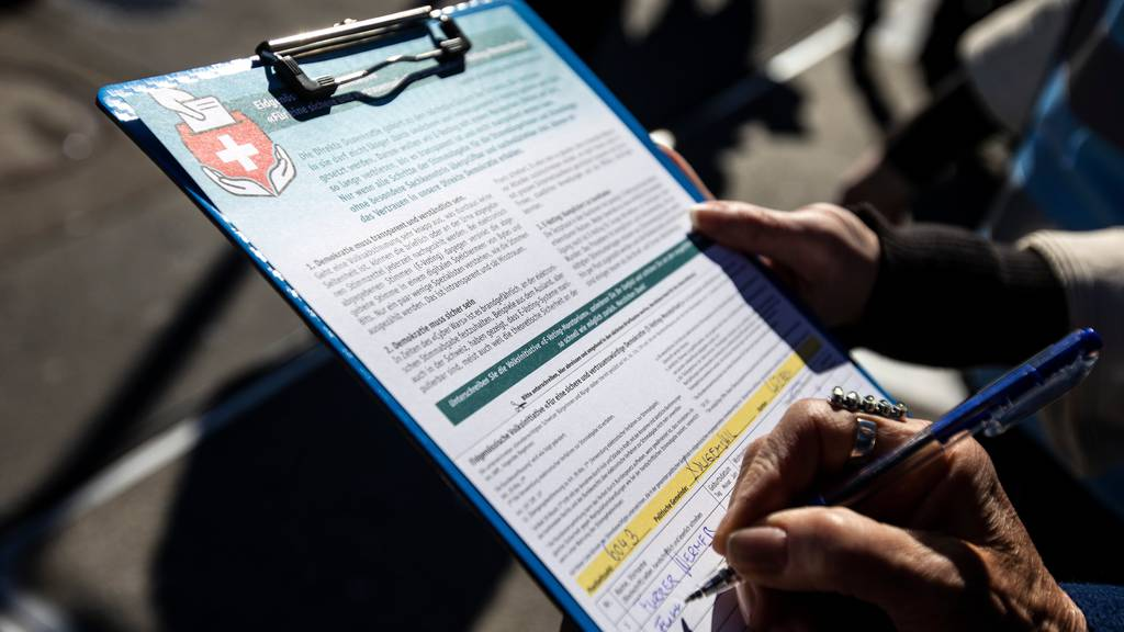 Unterschriftensammlung: Bundesrat erleichtert Bescheinigung