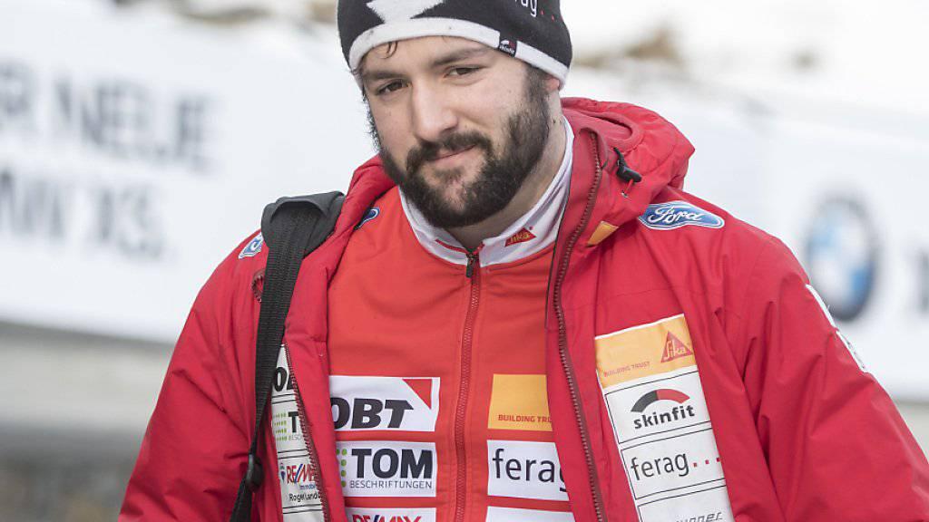 Der 21-jährige Schwyzer Michael Vogt überrascht beim Heim-Weltcup in St. Moritz mit Platz 4 im Zweierbob