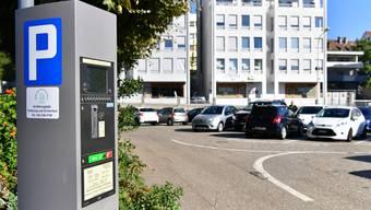 Der Gewerbeverband würde ein Referendum gegen das vom Parlament verabschiedete Parkierungsreglement unterstützen.