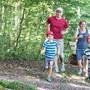 Am Samstag können Familien OL-Luft schnuppern. Einfache Parcours im Wald oder ein einfacher Postenlauf im Dorf stehen Interessierten zur Verfügung. Bild: zvg