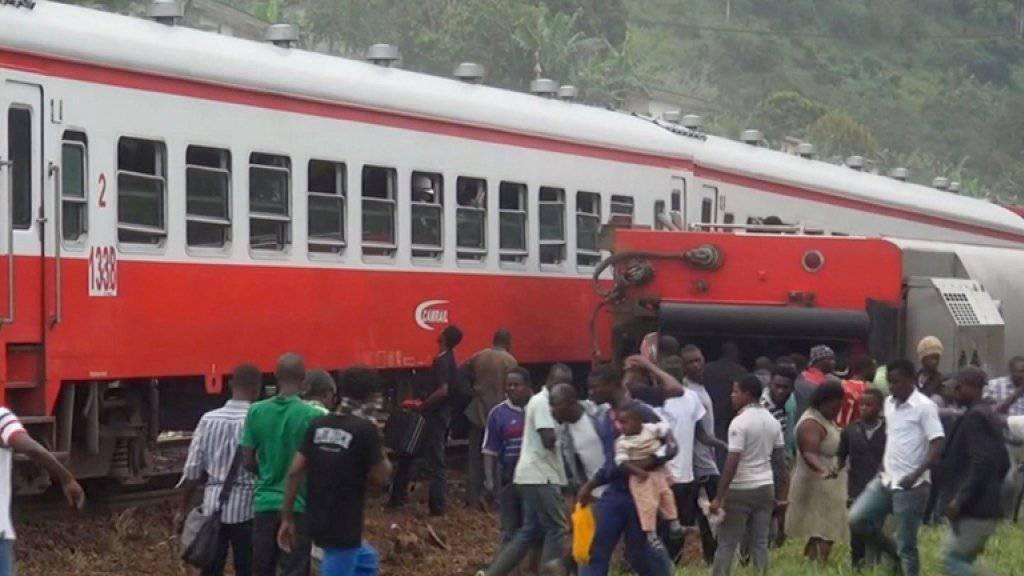 In dem Zug sollen mehr als 1000 Menschen unterwegs gewesen sein.