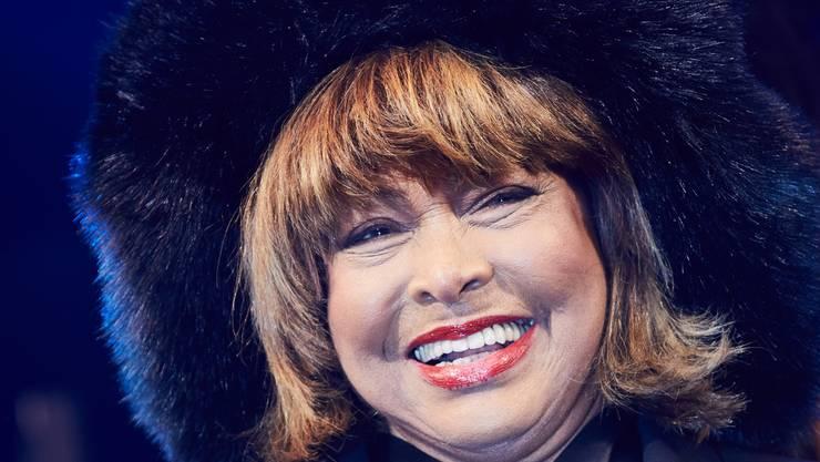 Das Glück steht ihr ins Gesicht geschrieben: Tina Turner erhält nach 30 Jahren Ehe noch immer Liebesbriefe von ihrem Mann.