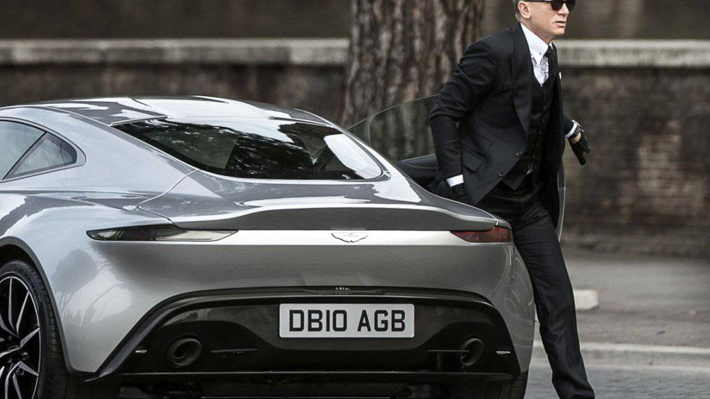 Die durch James-Bond-Filme bekannte Sportwagenmarke Aston Martin muss tausende seiner Fahrzeuge zurückrufen. (Archivbild)