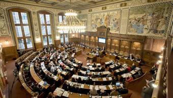 Der Grosse Rat hat am Mittwoch eine GLP-Motion für mehr Transparenz mit Stichentscheid des Präsidenten (CVP) versenkt. (Archiv)