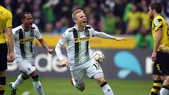 Gladbachs Oscar Wendt feiert seinen Treffer zum 1:0 gegen Dortmund