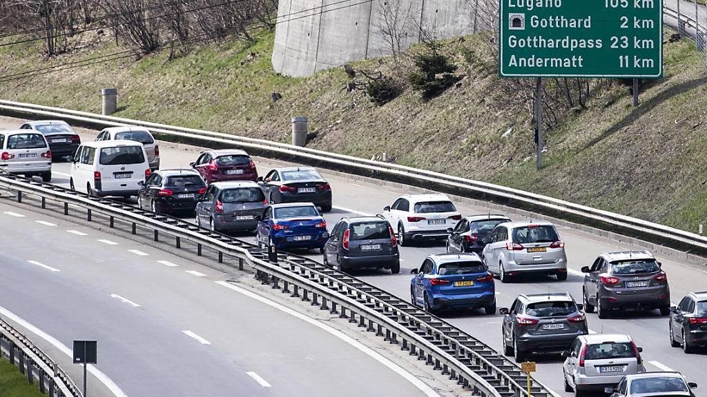 Langer Stau am Gotthard wegen temporärer Sperrung