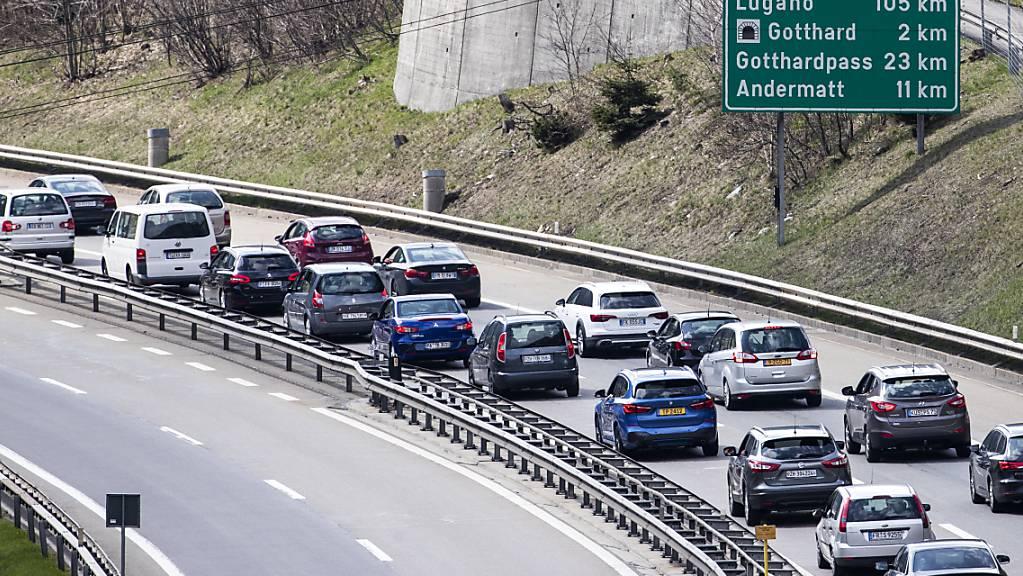 Im letzten Jahr gab es wegen der Pandemie über Auffahrt keinen Stau vor dem Gotthard. Dieses Jahr könnte es aber erneut zu Verzögerungen kommen. (Archivbild)