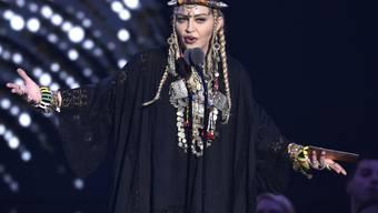 Madonna, hier bei ihrem Tribut für Aretha Franklin, hat sich in der Neujahrsnacht gegen die Diskriminierung Homosexueller stark gemacht: Überraschend ist sie in der legendären New Yorker Schwulenbar Stonewall Inn aufgetreten. (Archivbild)