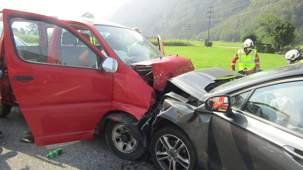 Frontalkollision in Näfels im Kanton Glarus.