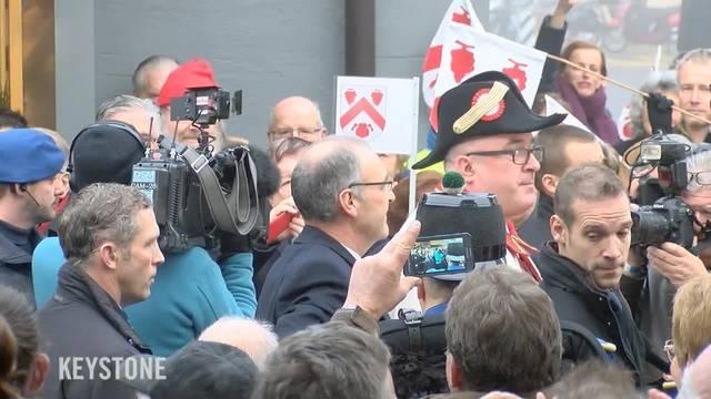 Parmelins Wahlfeier: Hunderte jubeln dem neuen Bundesrat in Nyon zu