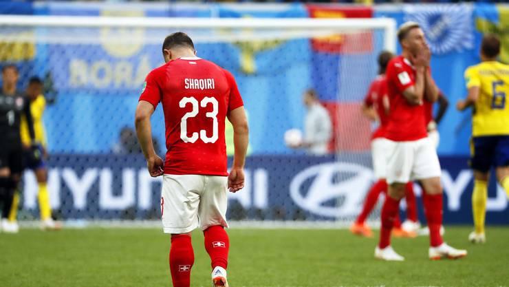 Xherdan Shaqiri zeigt sich enttäuscht nach dem Schlusspfiff über das bittere Ausscheiden im WM-Achtelfinal gegen Schweden